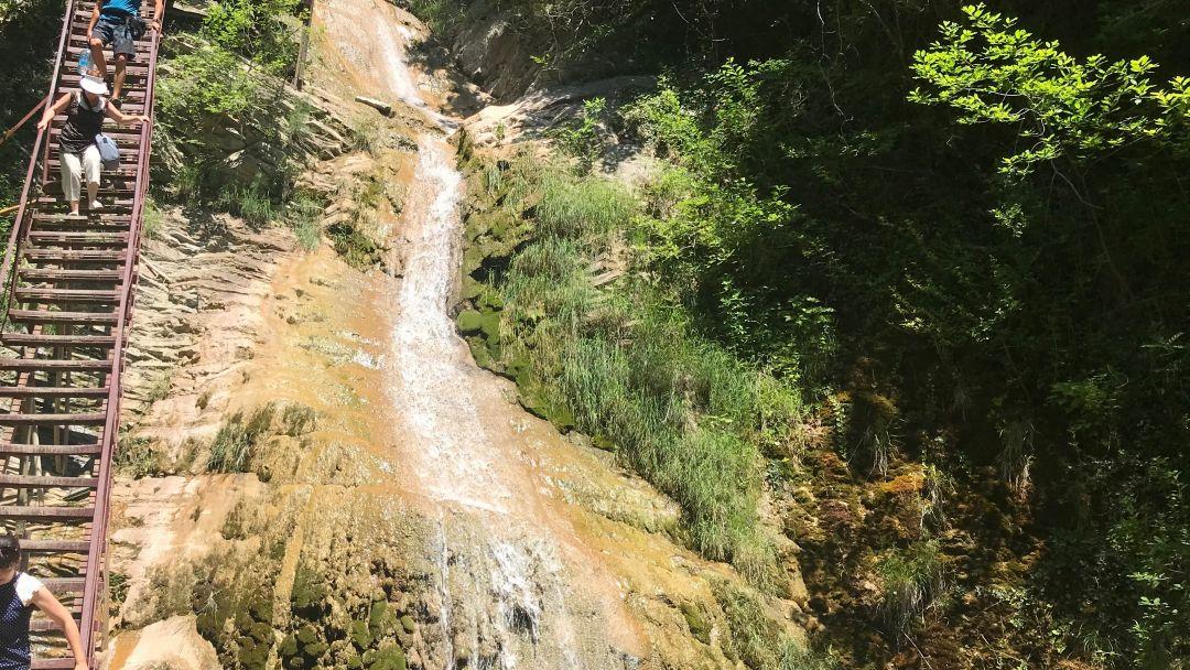Путешествие к водопадам,дольменам и на пасеку - фото 6