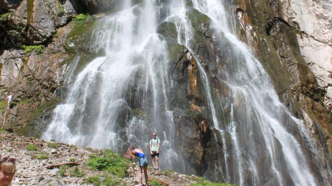 Экскурсия Джиппинг тур на Гегский водопад из Адлера в Абхазию