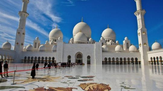 Мечеть Шейха Зайда по Абу-Даби