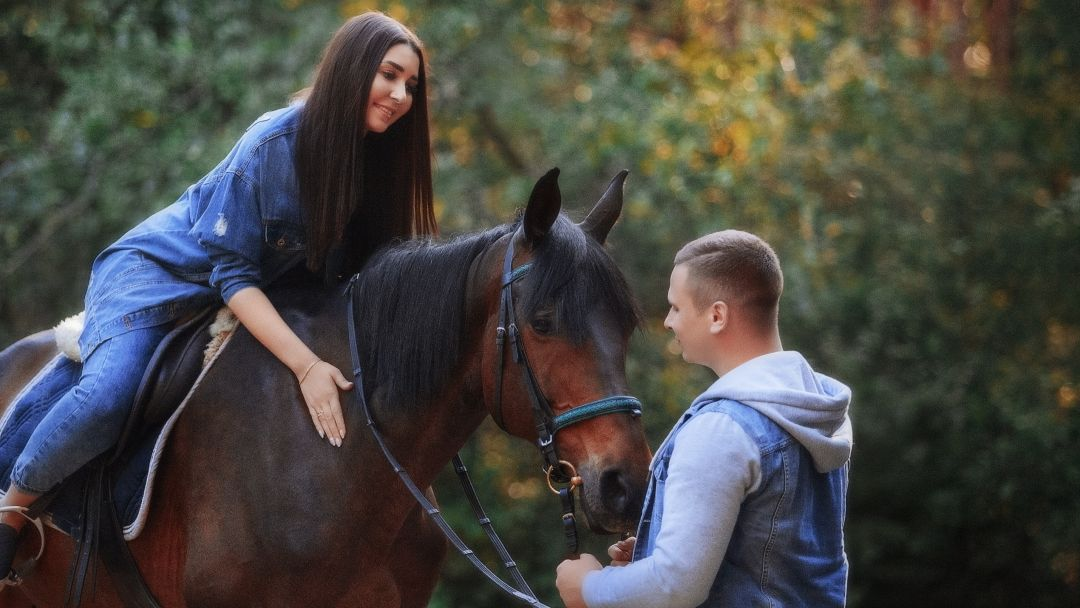 Романтическая конная прогулка в Санкт-Петербурге