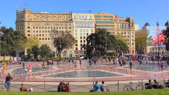 Площадь Каталонии в Барселоне в Барселоне