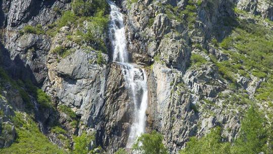 Водопад Ширлак или Девичьи слезы на Алтае по Горно-Алтайску