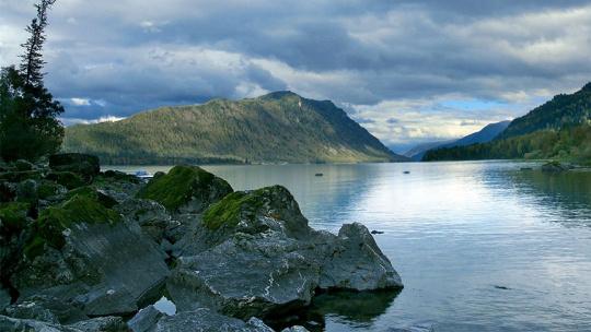 Гроты озера Телецкое на Алтае по Горно-Алтайску