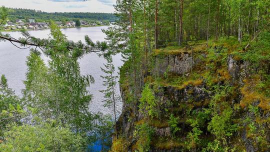 Белая гора Тивдийский мрамор в Карелии в Петрозаводске