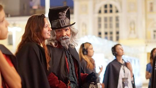 """Экскурсия Ночной волшебный сити-тур """"Фаролеро"""" с элементами экскурсии и перфоманса по Барселоне"""