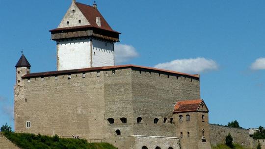 Экскурсия Два форпоста: Нарвский замок и Ивангородская крепость в Санкт-Петербурге