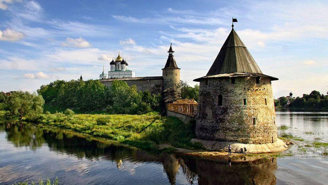 Средневековые города Псковской земли - фото 1