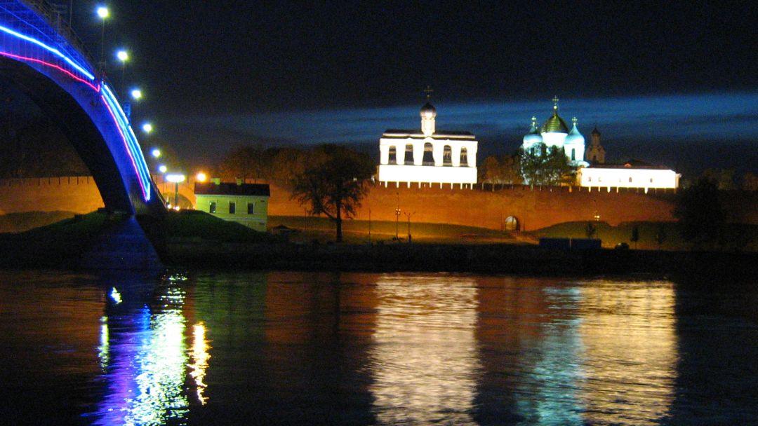 Вечерний Кремль в Великом Новгороде