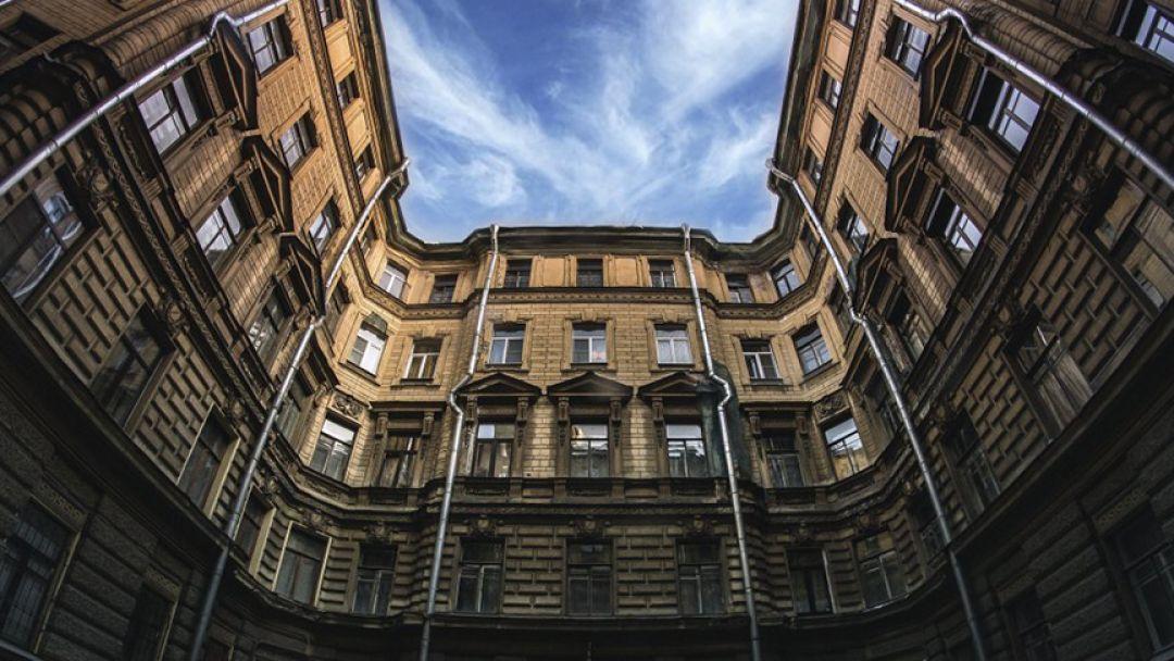Дворы и парадные Маяковской в Санкт-Петербурге