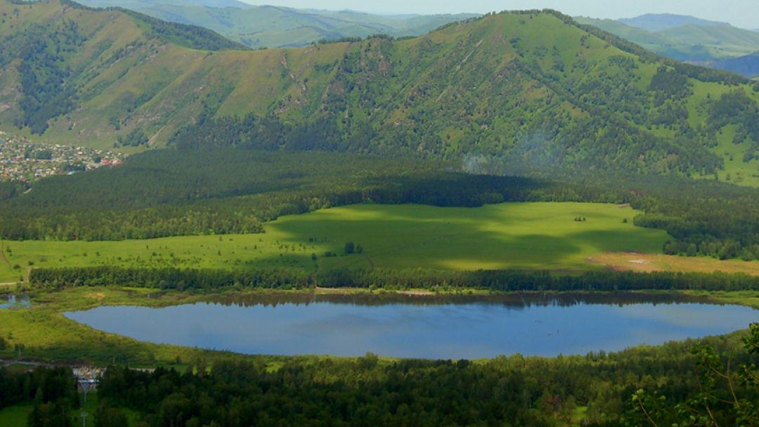 Озеро Манжерок и гора Малая Синюха - фото 2