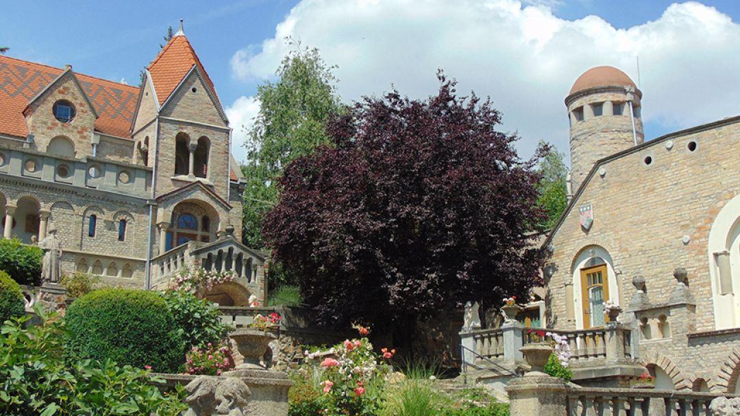 Секешфехервар и Замок Вечной Любви в Будапеште