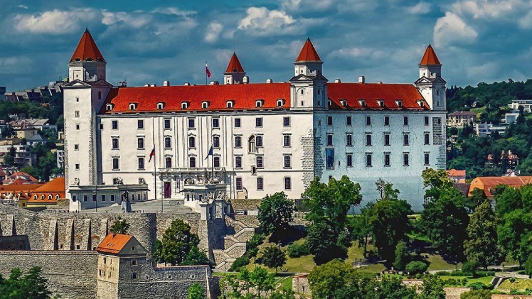 Экскурсия в Дьёр, Братиславу из Будапешта - фото 3