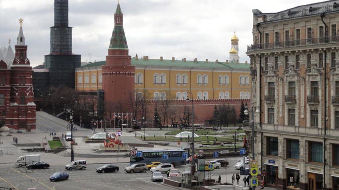 По главной улице столицы - фото 2