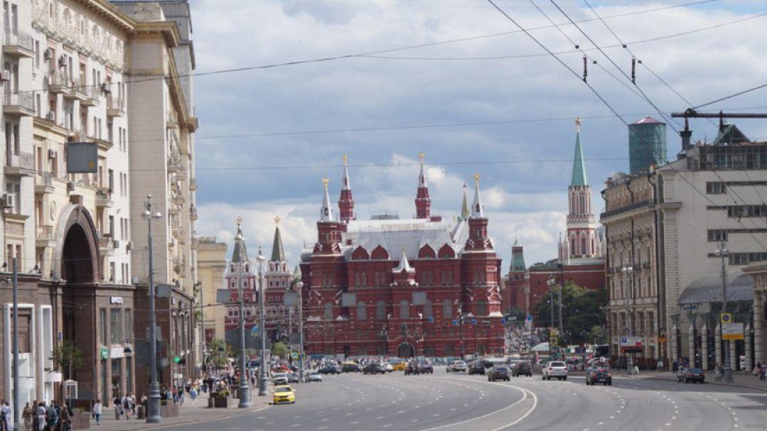 По главной улице столицы - фото 3