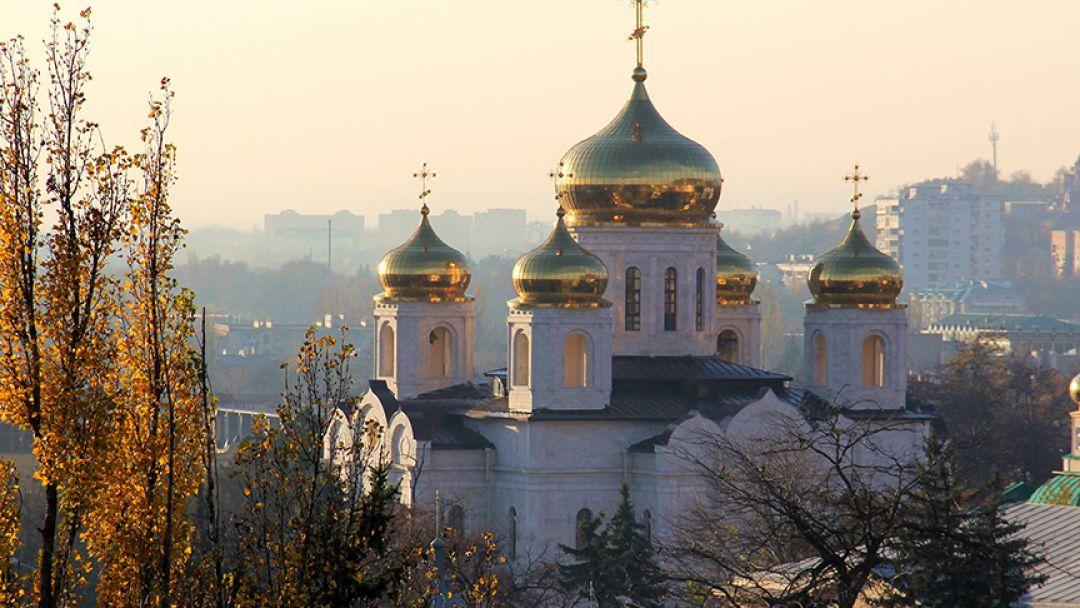 К мощам Св. Феодосия в Пятигорске