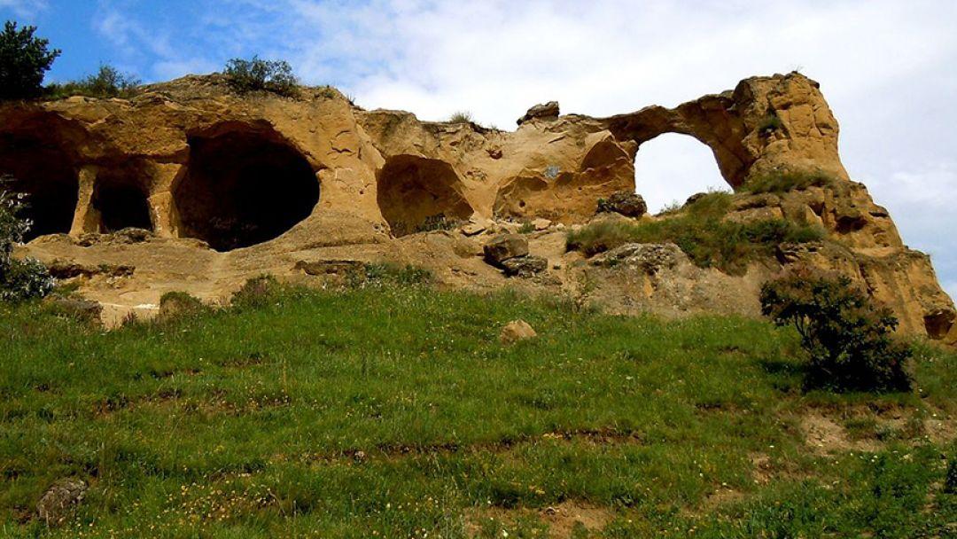 Медовые Водопады - гора Кольцо - Замок - фото 1