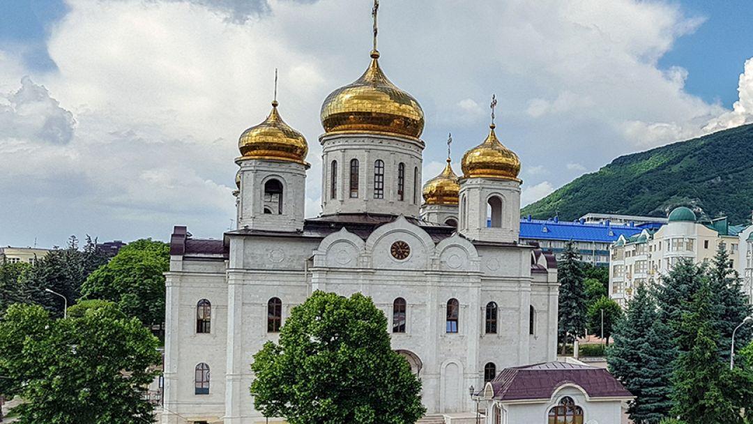 К мощам Святой Блаженной Матроны в Пятигорске