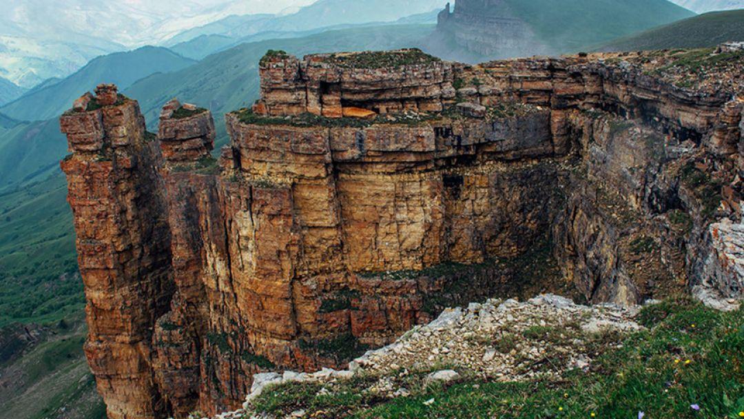 Розовые сталактитовые пещеры на джипе - фото 2