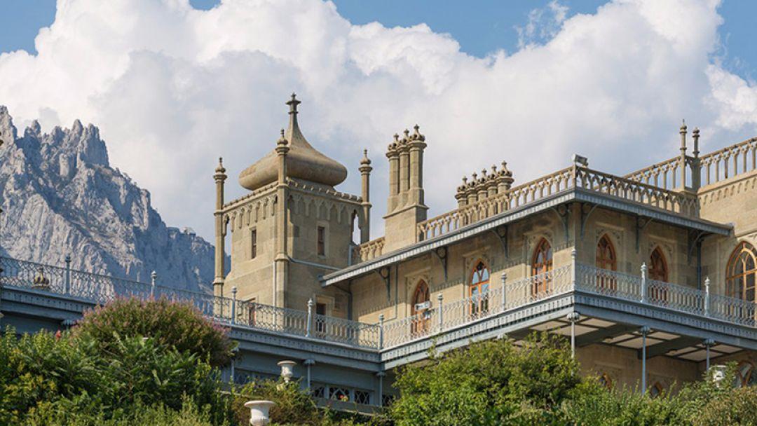 Блистательные дворцы Южнобережья - фото 1