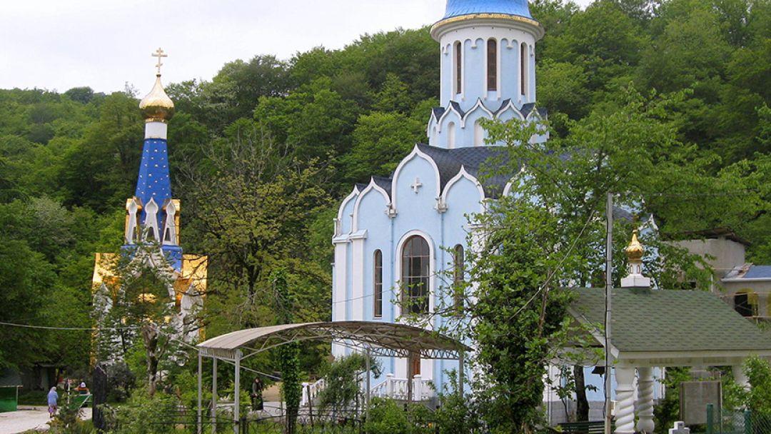 Женский монастырь в селе Лесное  - фото 3