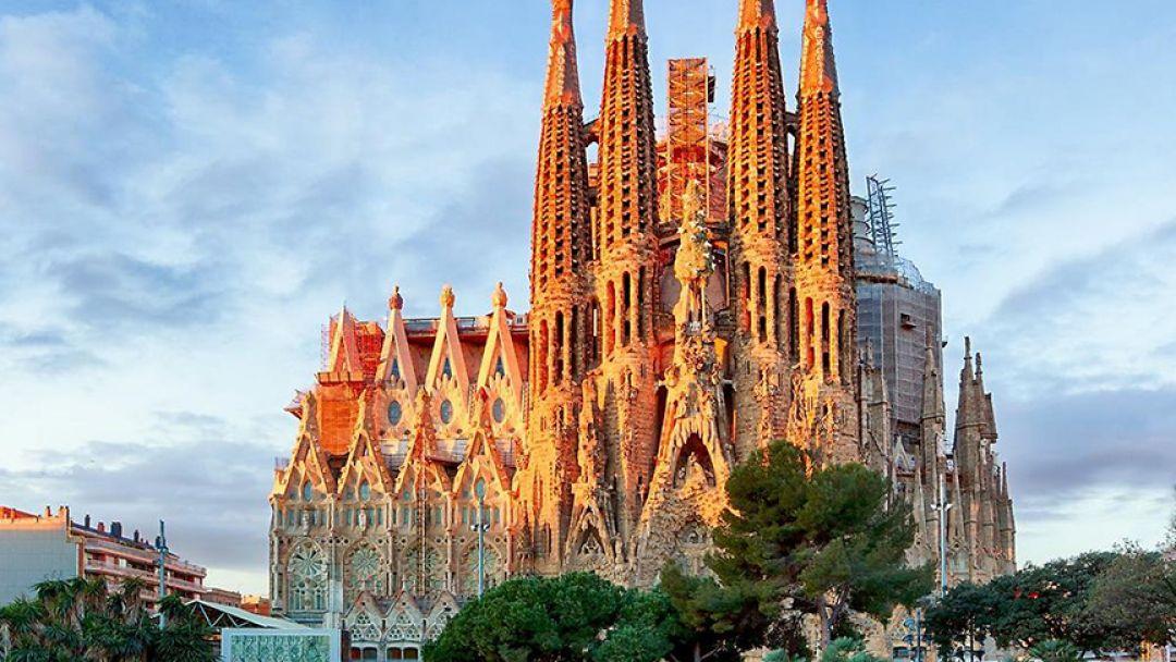 Экскурсионное такси: Главные шедевры Барселоны - фото 2