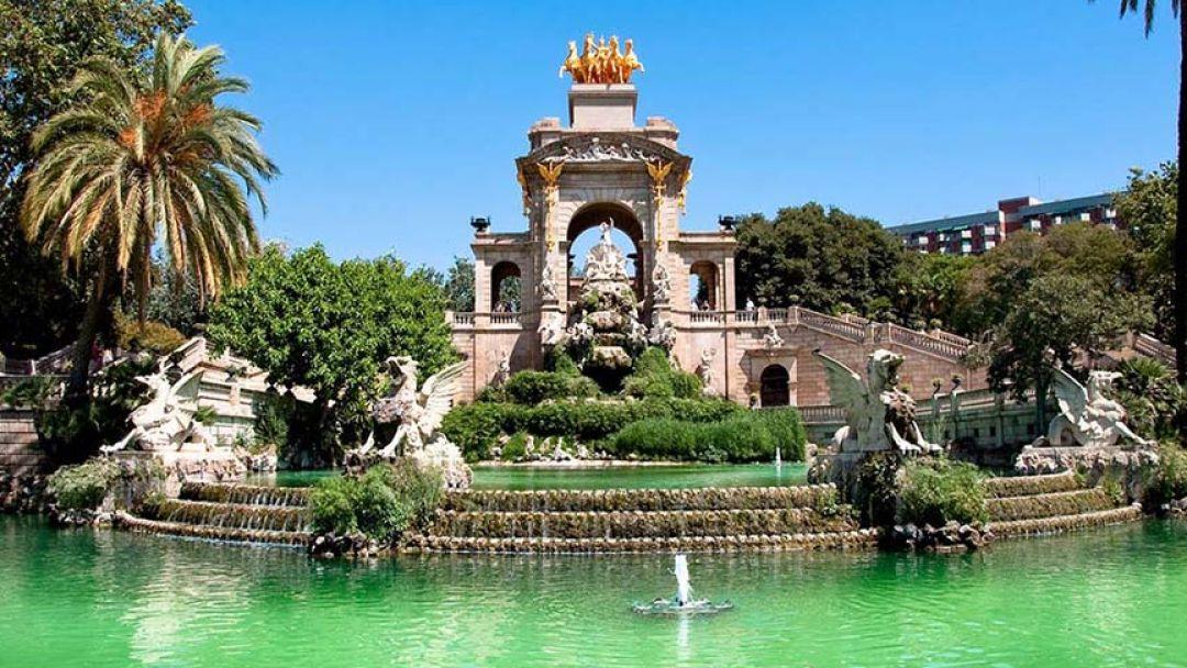 Экскурсионное такси: Главные шедевры Барселоны - фото 3