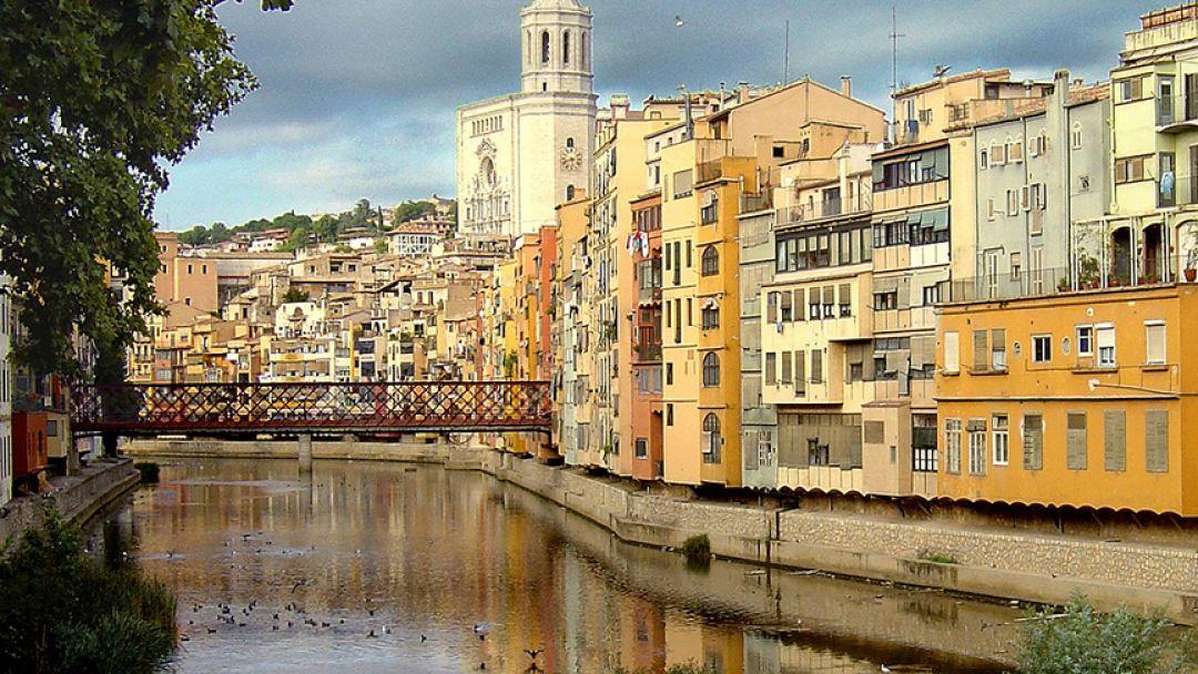 Экскурсия в музей Дали и город Жирону в Барселоне