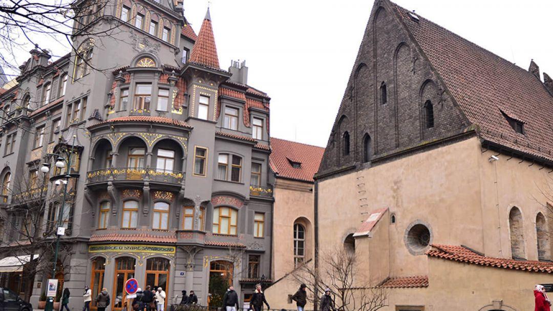 Два мира, две религии в Праге