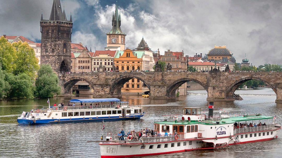 Прогулка на кораблике по Влтаве в Праге