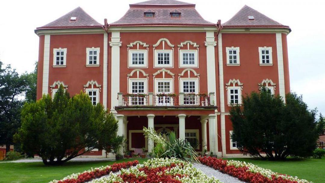 Средневековая Корчма и Замок Детеницы - фото 1