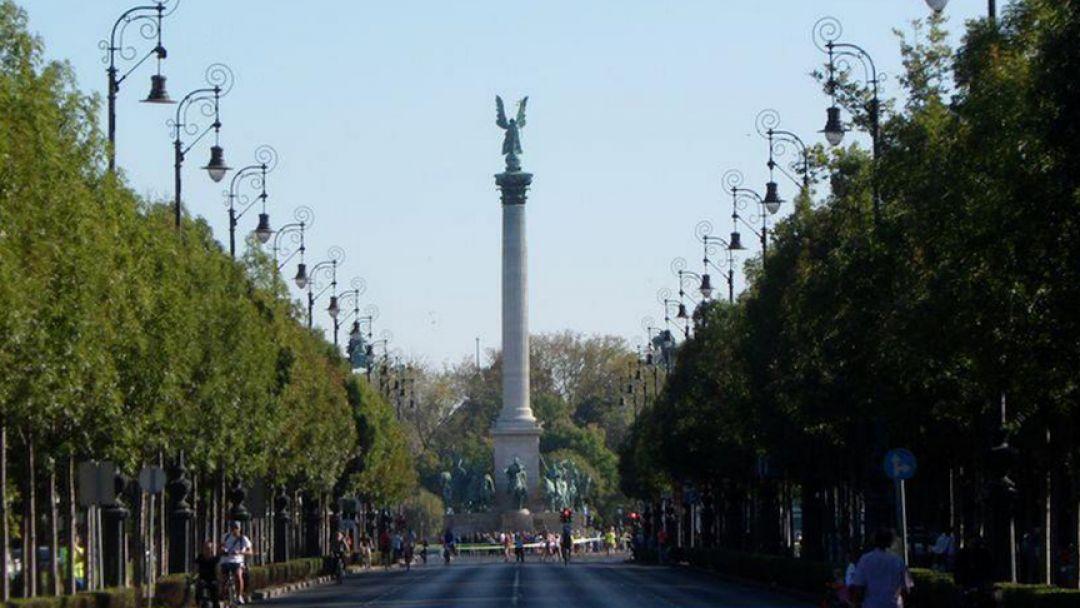 Монумент Тысячелетие и Варошлигет - фото 15