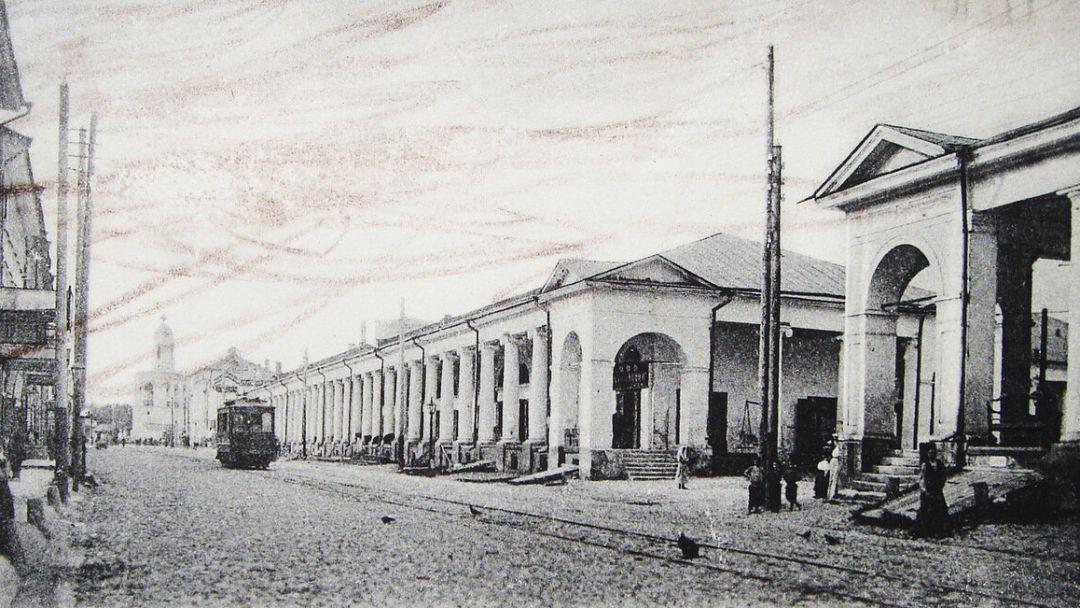 Вдоль стен Ярославского посада 17 века.