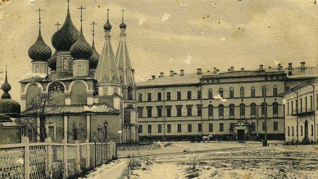 Вдоль стен Ярославского посада 17 века. - фото 3