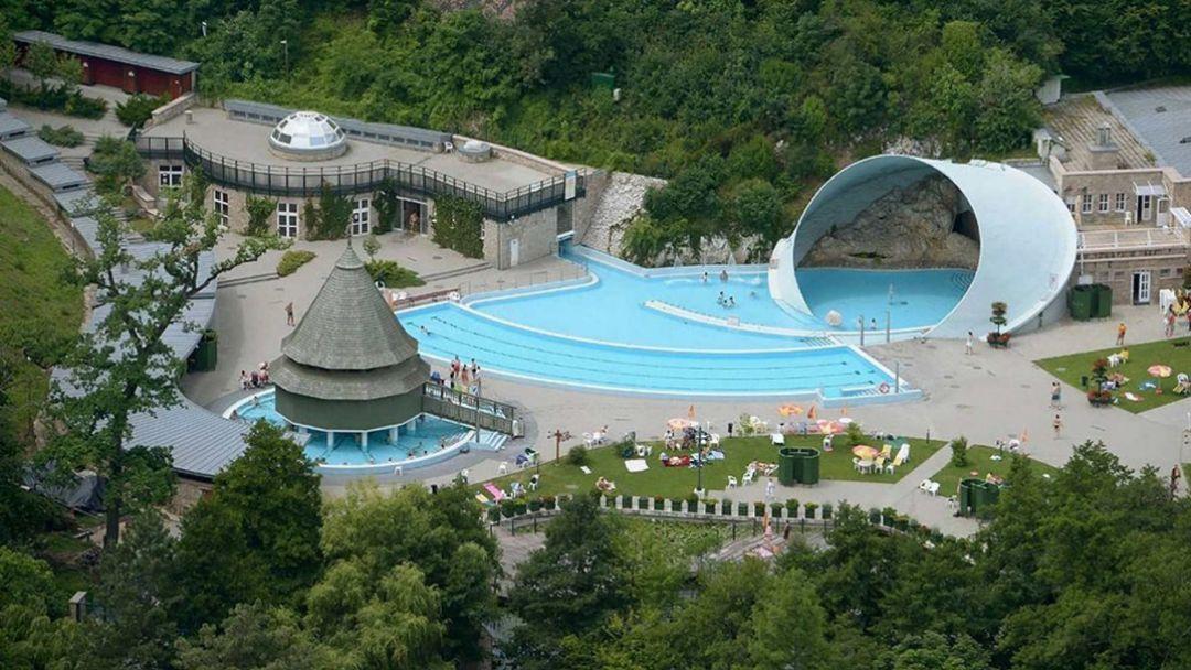 Пещерная купальня Мишкольцтапольца и барочный город Эгер - фото 5