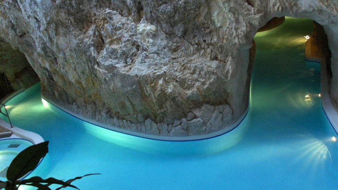 Пещерная купальня Мишкольцтапольца и барочный город Эгер - фото 6