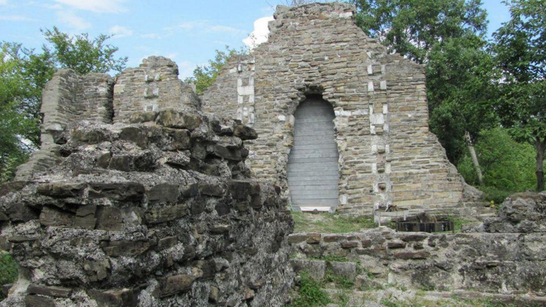 """Конная экскурсия """"К развалинам византийского храма в Лоо"""" в Сочи"""