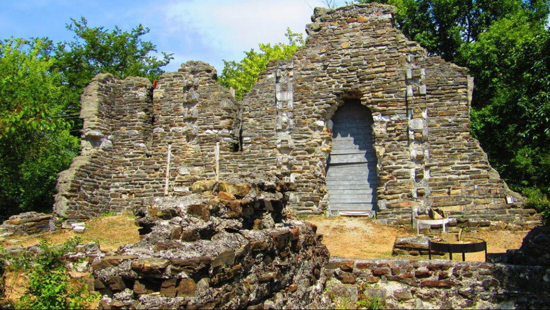 """Конная экскурсия """"К развалинам византийского храма в Лоо"""" - фото 2"""