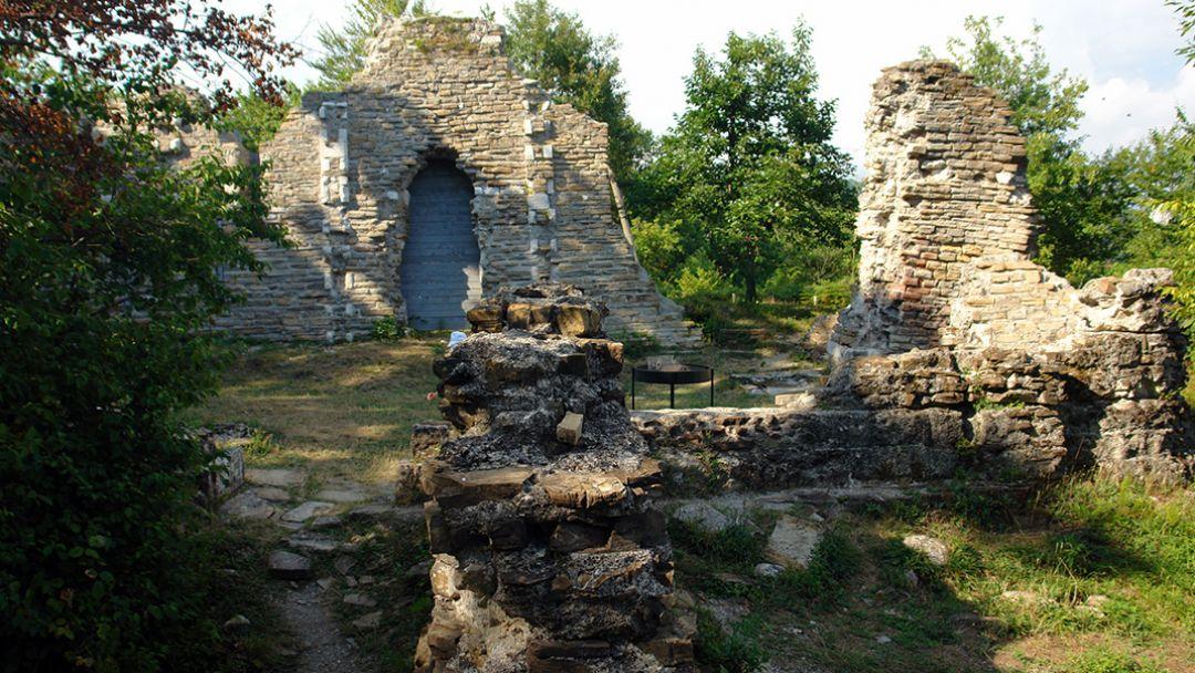 """Конная экскурсия """"К развалинам византийского храма в Лоо"""" - фото 3"""