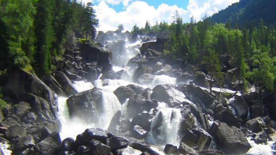 Водопад Учар по Горно-Алтайску