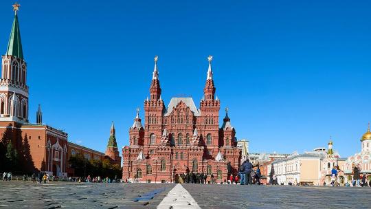 Красная площадь по Москве