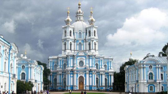 Ансамбль Смольного монастыря  в Санкт-Петербурге