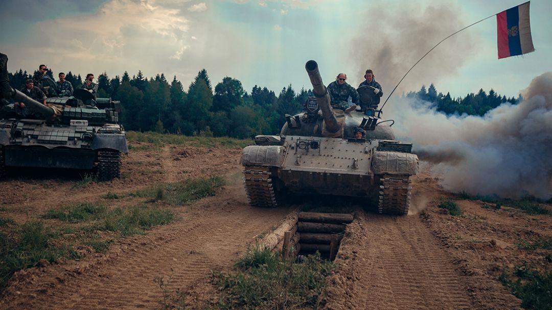Катание на танке Т-62М в Москве