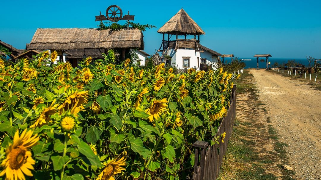 Керчь обзорная + проезд по Крымскому мосту + посещение этнографического комплекса « Атамань» - фото 3