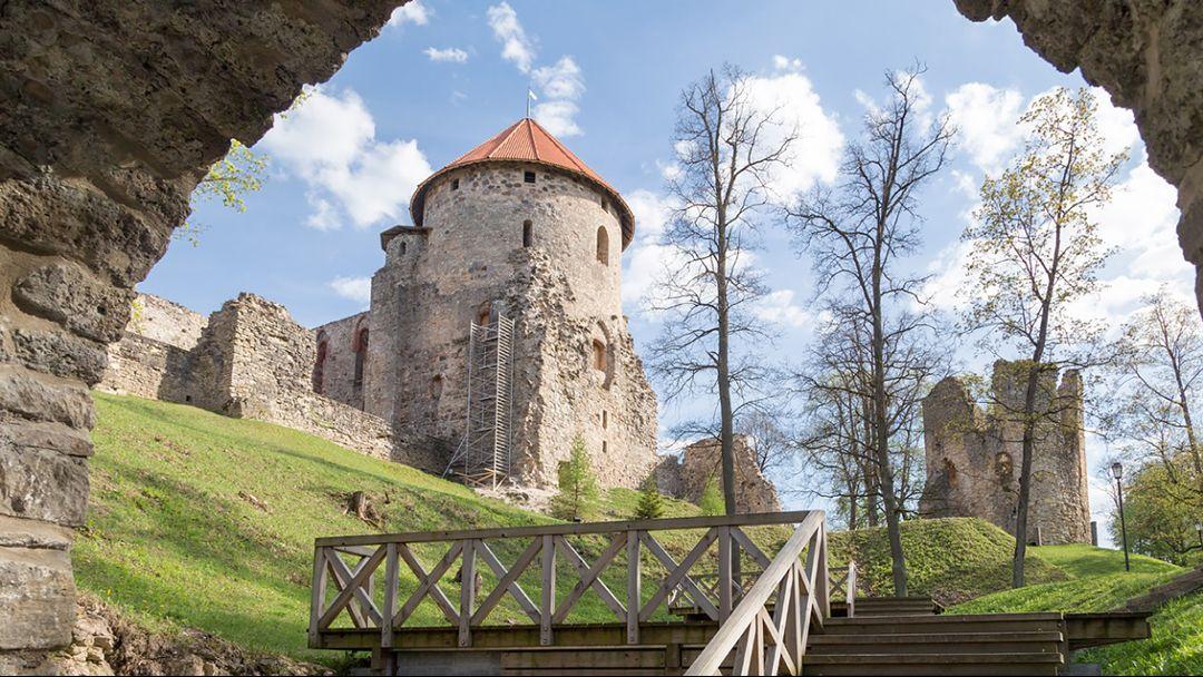 Усадьба Шатилова - Веденский замок – часовня Св.Луки и купель – неповторимые красоты Сиваша - фото 1