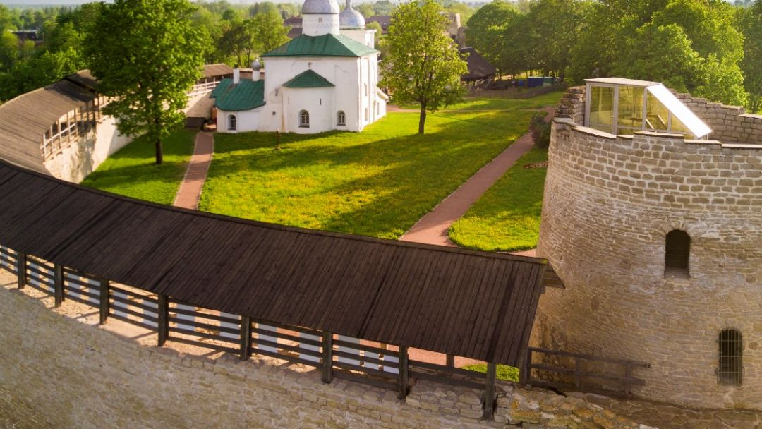Псков-Изборск-Печоры - фото 1