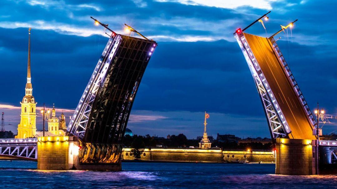 Экскурсия по ночному Санкт-Петербургу с теплоходной прогулкой - фото 1