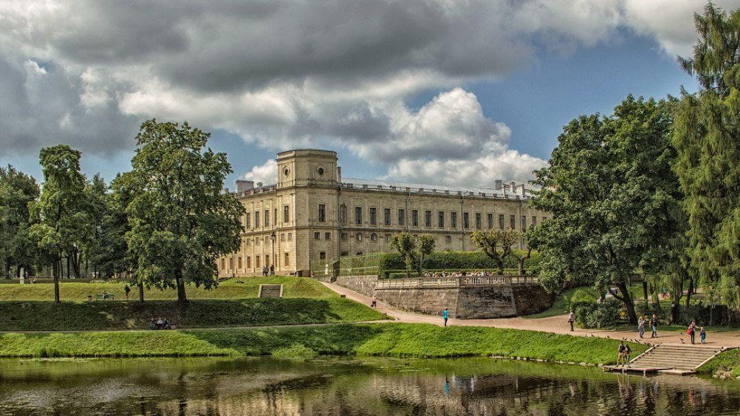 Гатчина (Гатчинский дворец и парк)  в Санкт-Петербурге