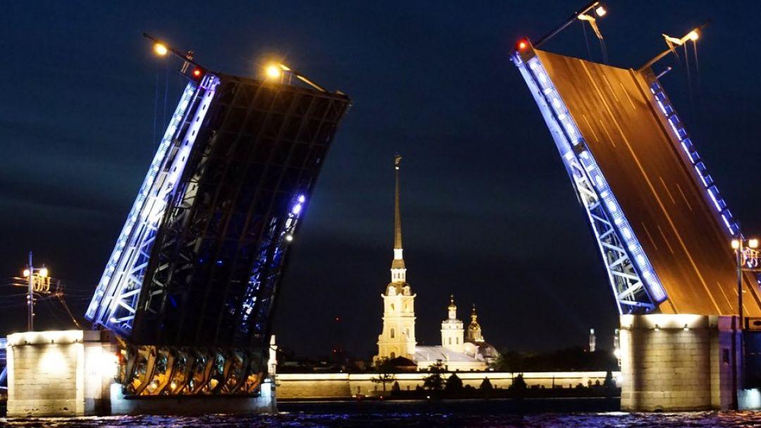 экскурсия Ночной Петербург с теплоходной прогулкой на разводку мостов - фото 2