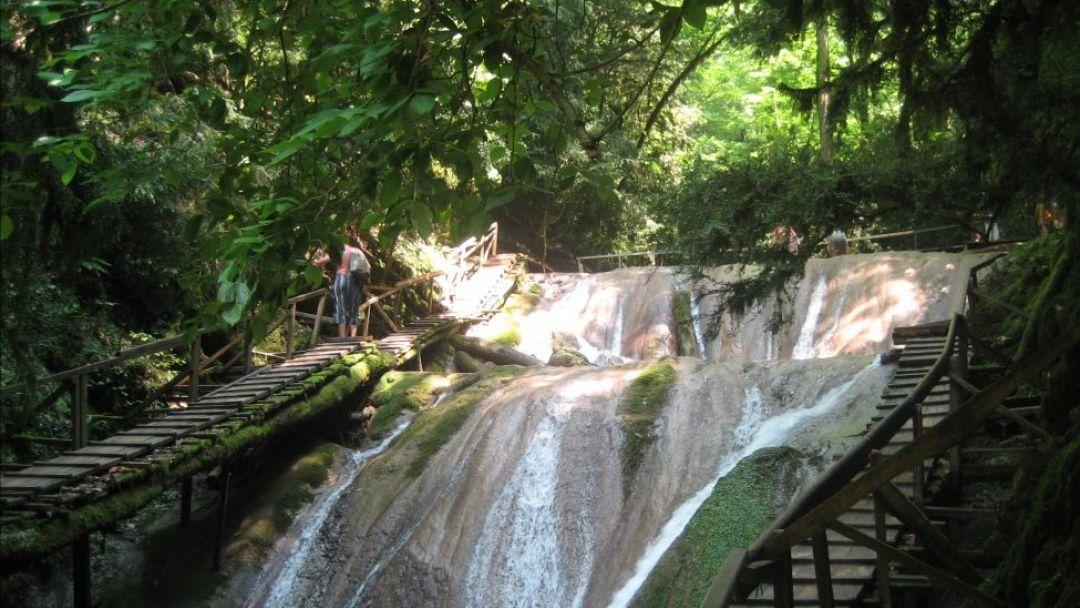 33 водопада и национальное шоу - фото 1