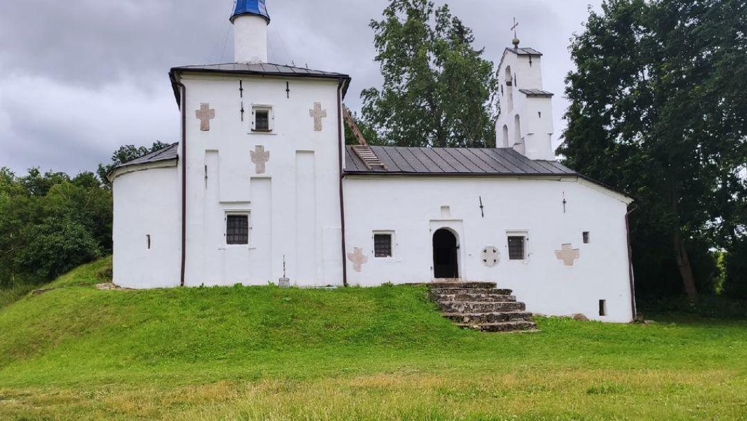 Изборск- Псковско-печерский монастырь - фото 9
